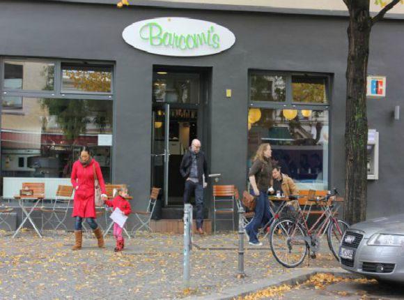 best cafes in kreuzberg berlin. Black Bedroom Furniture Sets. Home Design Ideas
