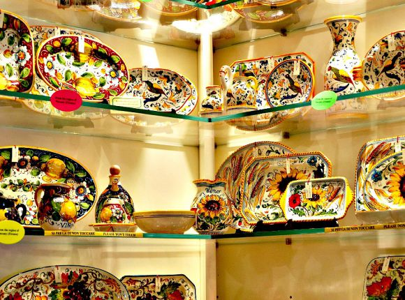 Souvenirs Shopping: 15 Authentic Italian Things To Buy in Rome