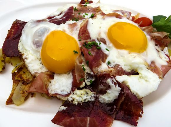 Madrid Style Fried eggs