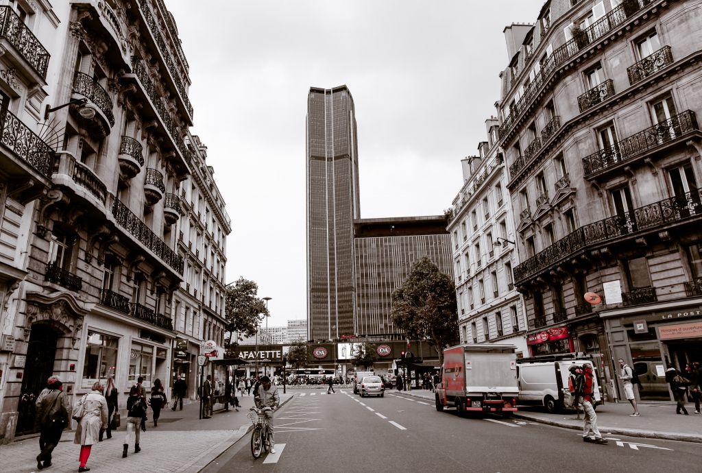 Montparnasse walking tour paris france for Parigi travel tour