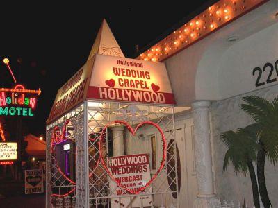 9 A Hollywood Wedding Chapel
