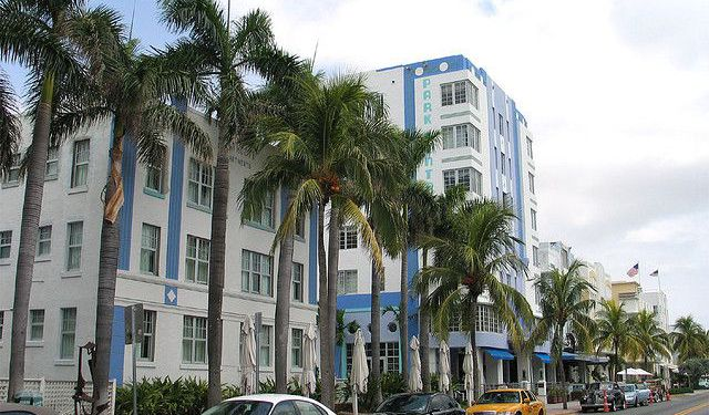 Art Deco Tour in Miami