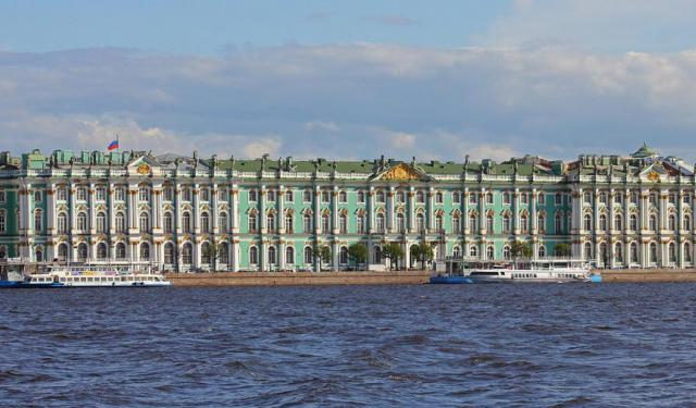 Palace Embankment Walking Tour, St. Petersburg