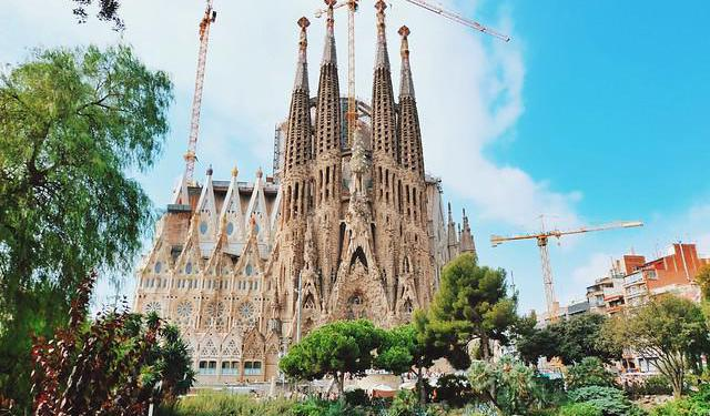 Barcelona's Acclaimed Architecture Tour