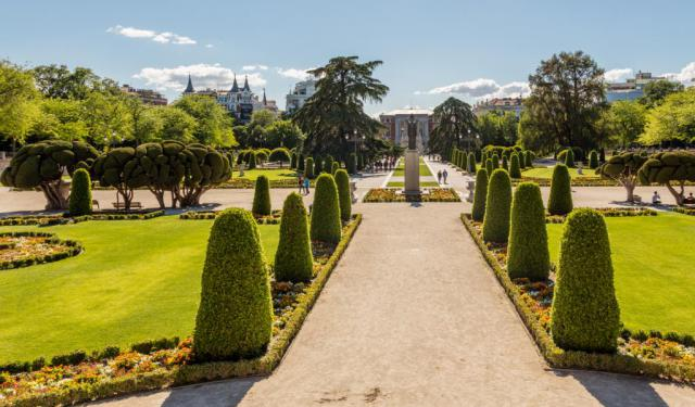 Buen Retiro Park Walking Tour