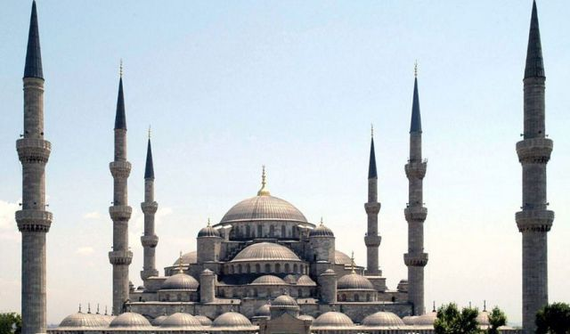 Mosques Walking Tour