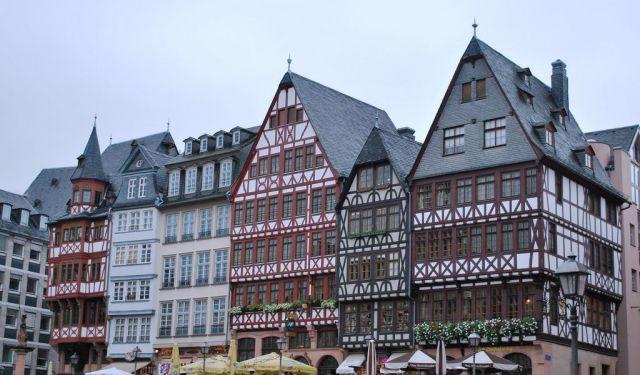 2nd Home Frankfurt town walk frankfurt germany