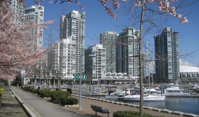 Walking Tour of Yaletown in Vancouver, Vancouver
