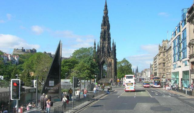 Famous Squares and Streets Walking Tour, Edinburgh
