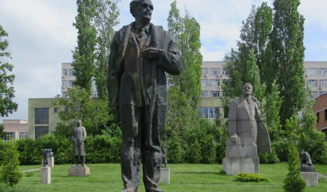 Religious Buildings Walking Tour in Sofia