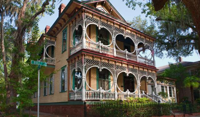 Historic Houses Walking Tour