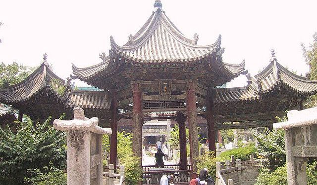 Places of Worship in Xian Tour