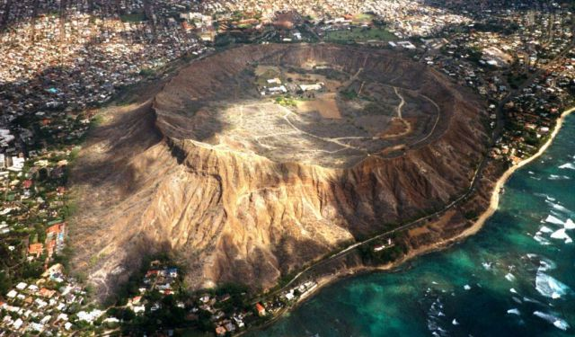 Diamond Head Volcano Tour