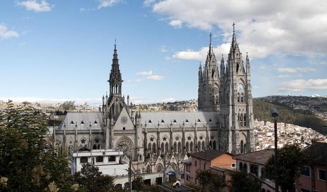 Religious Sites Walking Tour in Quito