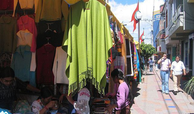 Shopping Walking Tour in Quito