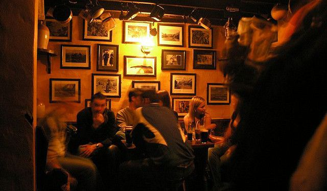 Walking Tour of Pubs in Dingle