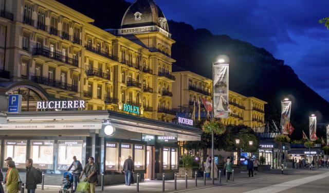 Interlaken Shopping Walking Tour, Interlaken