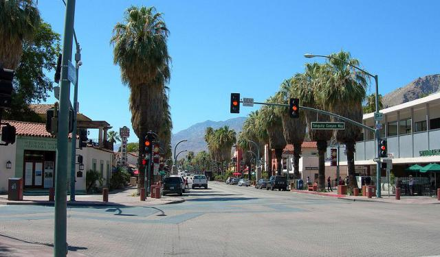 Palm Canyon Drive Shopping Tour in Palm Springs