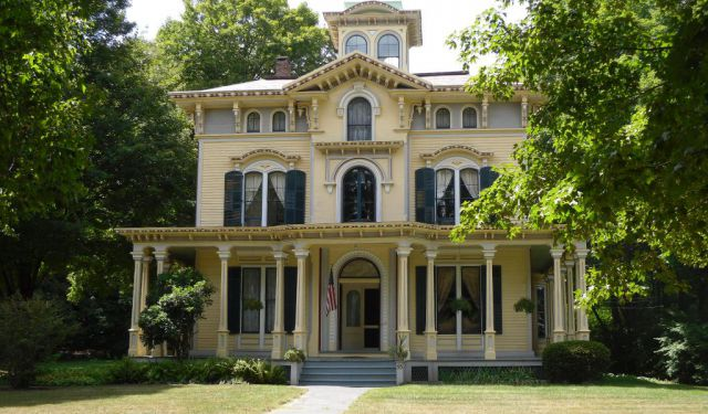 Historic Houses in Hartford Self Guided Tour