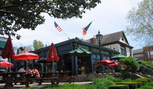 Highlands Bars and Pubs Walking Tour in Louisville, Louisville