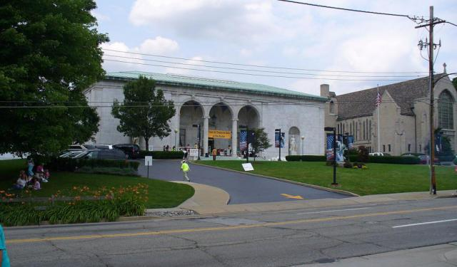 Museum and Art Walk in Youngstown