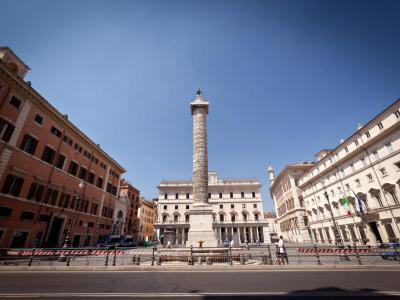 Piazza Colonna. Column and Fountain, Rome
