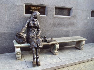 Statue of Eleanor Rigby