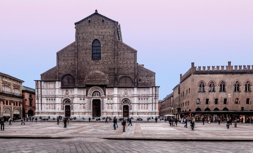 Bologna Self Walking Tour