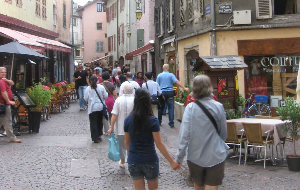 Top 4 Walking Tours in AnnecyFrance to Explore The City