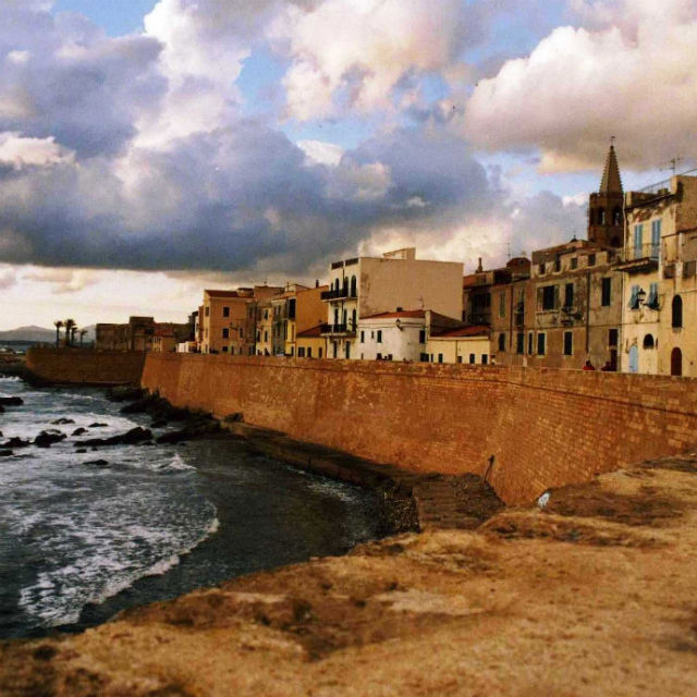 Italian Florence: 7 Self-Guided Walking Tours In Alghero, Italy + Create