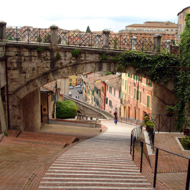 Italian Florence: 7 Self-Guided Walking Tours In Perugia, Italy + Create